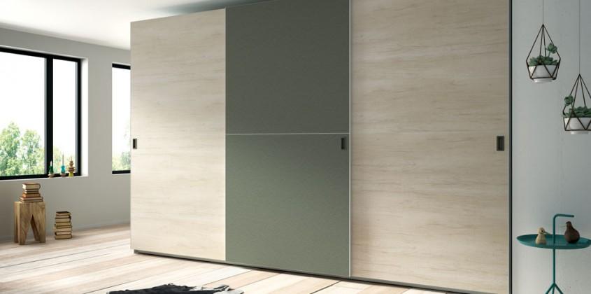 Armario-puertas-correderas-tres-puertas
